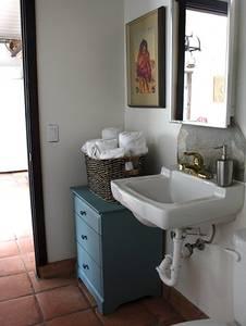 Aphrodite bathroom
